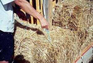 Securing the corner bales in a straw bale wall